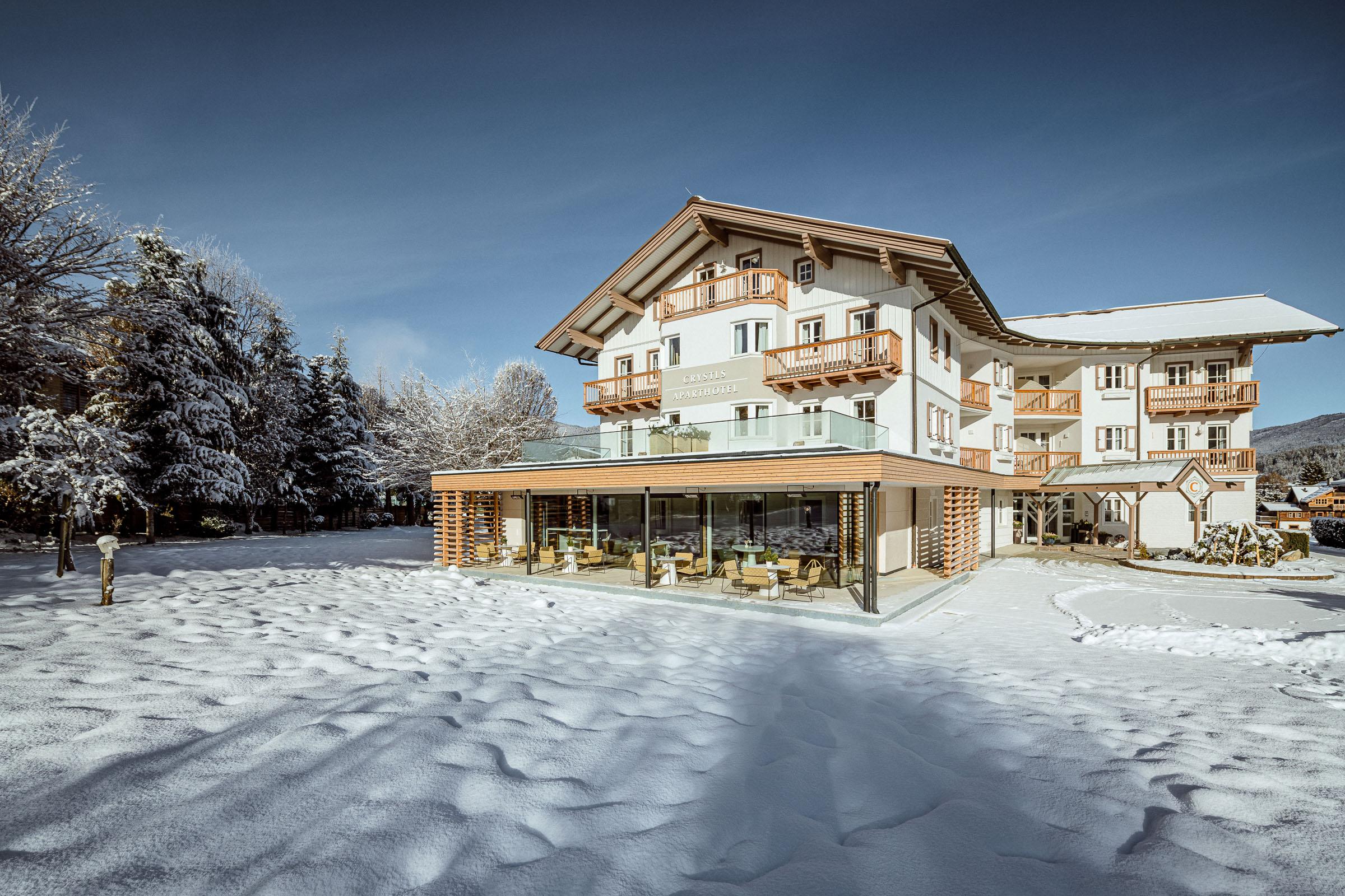 Crystls_fassade_winter_flachau_aparthotel 2