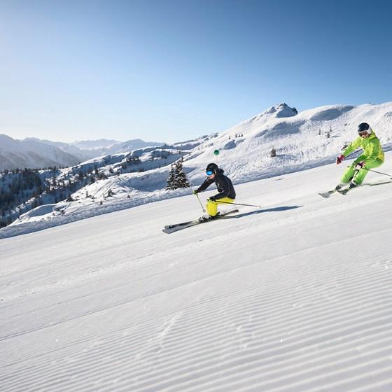 Skifahren_snowspace_salzburg Skiurlaub in Flachau mit Flying Mozart in der amadé Wagrain